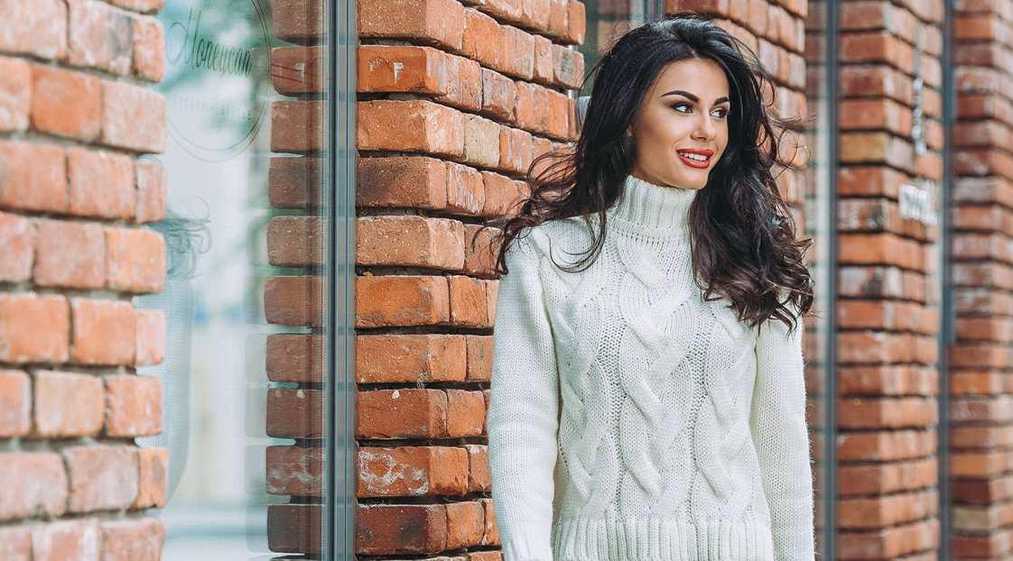 Вязаная одежда в офис - модный образ деловой женщины